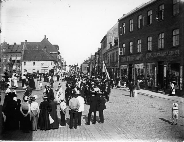 Grundlovsoptog, Stændertorvet, ca. 1900-1910