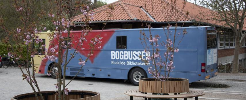 Bogbussen ved Bibliotekshaven