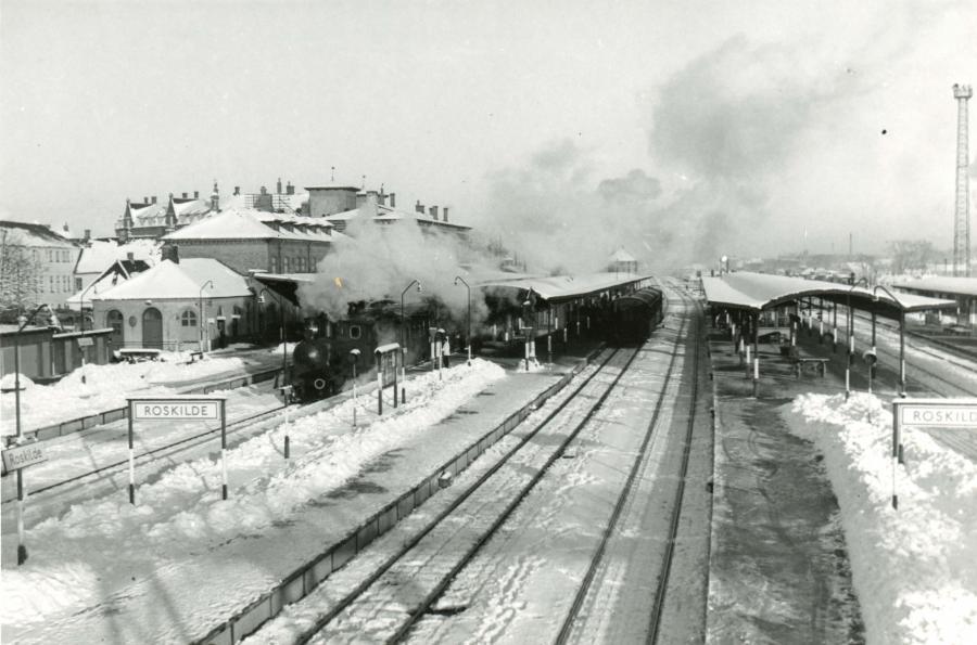Roskilde Station med sne